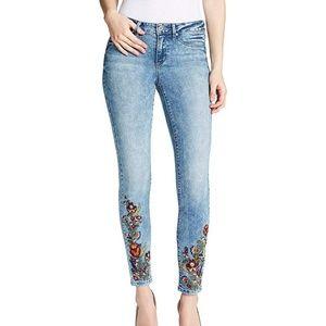 Jessica Simpson | Kiss Me Super Skinny Floral Jean